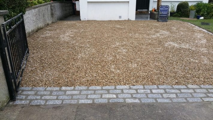 Gravel with Cobble Apron